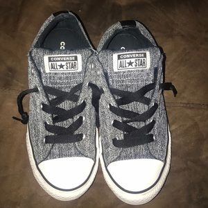 Converse Shoes Size 4 Unisex